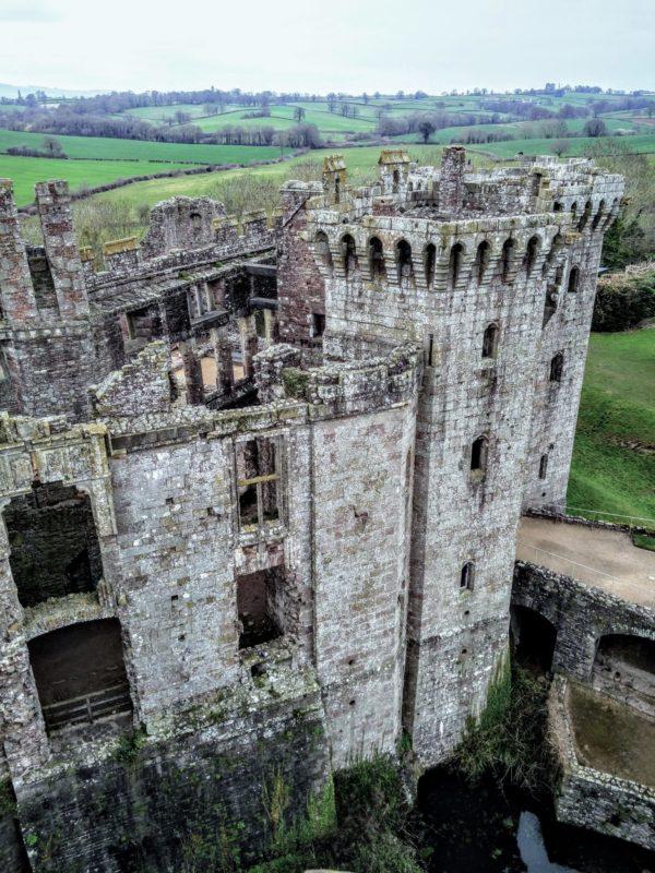 wales castle raglan castell