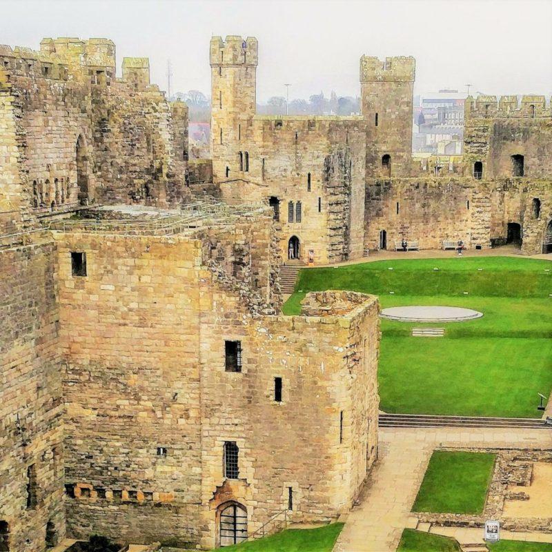 Edward I Cearnarfon castle Wales